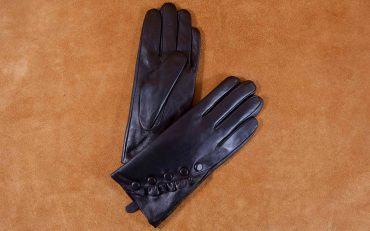 Găng tay nữ cảm ứng nhún bèo đính khuy màu đen GT800-02L-D