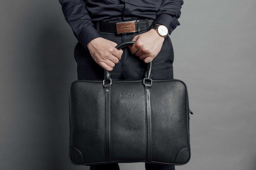 Túi xách nam hàng hiệu cho phái mạnh