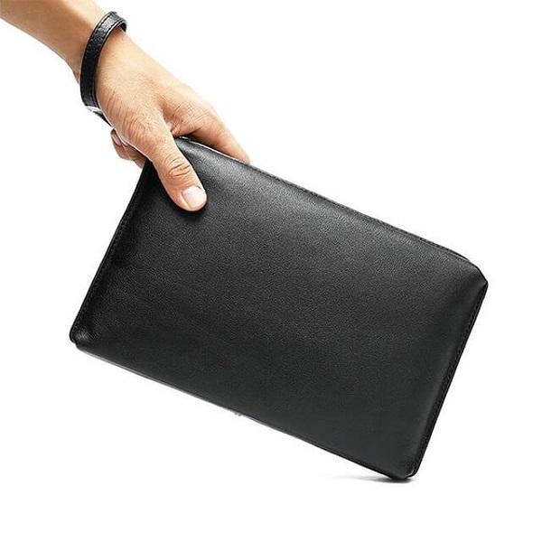 cách dùng ví cầm tay