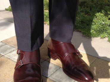 Gợi ý lên đồ cực sang trọng cho quý ông với đôi giày tông đỏ burgundy