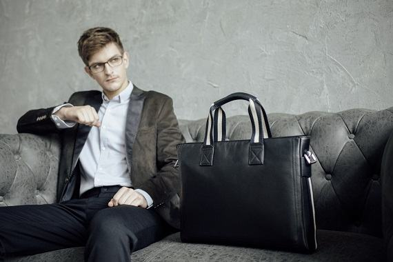 Bộ sưu tập túi xách nam 2021