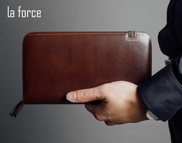 ví cầm tay giá bao nhiêu
