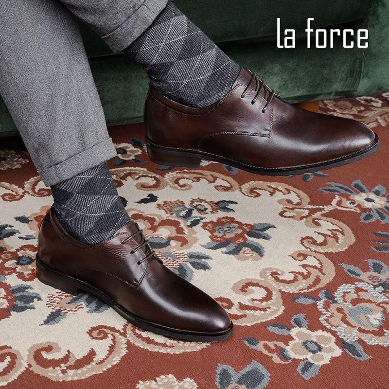 chọn giày cho người nam thấp