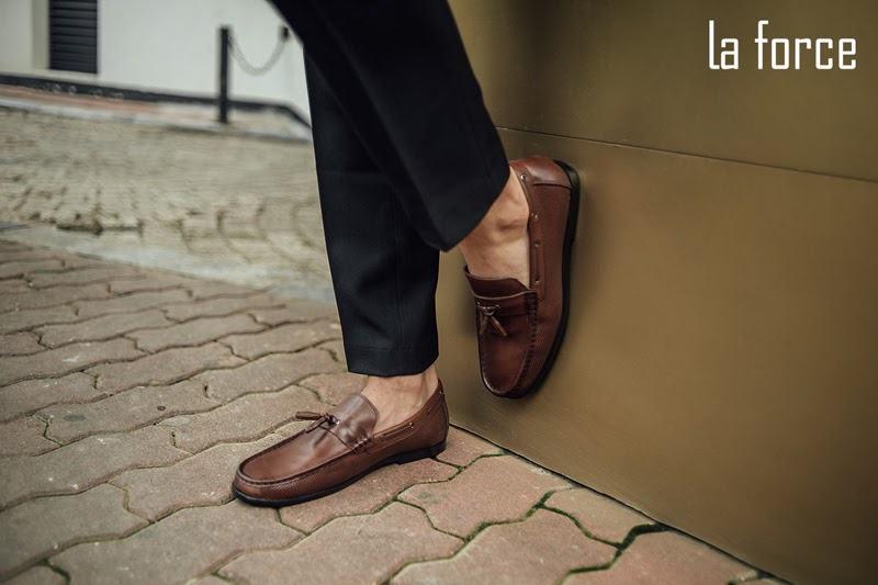 có nên tặng giày cho người yêu không