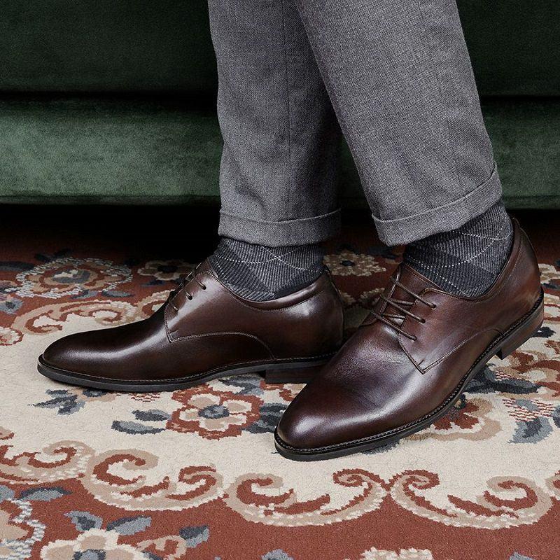 quần vải đi giày gì đẹp