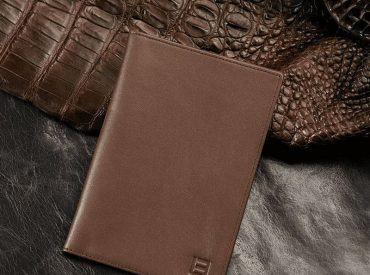 Giải mã Mệnh Thổ dùng ví màu gì? Không nên dùng ví màu gì?