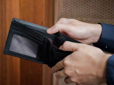 Mệnh Thủy hợp ví màu gì? Những mẫu ví tài lộc cho người mệnh thủy