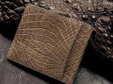 Bảo quản và làm mới ví da cá sấu trong phút chốc