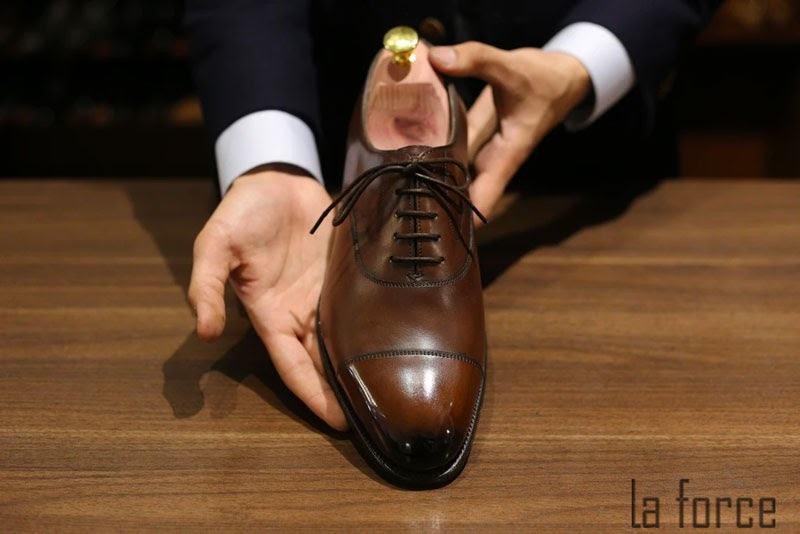 cách bảo quản giày da bóng