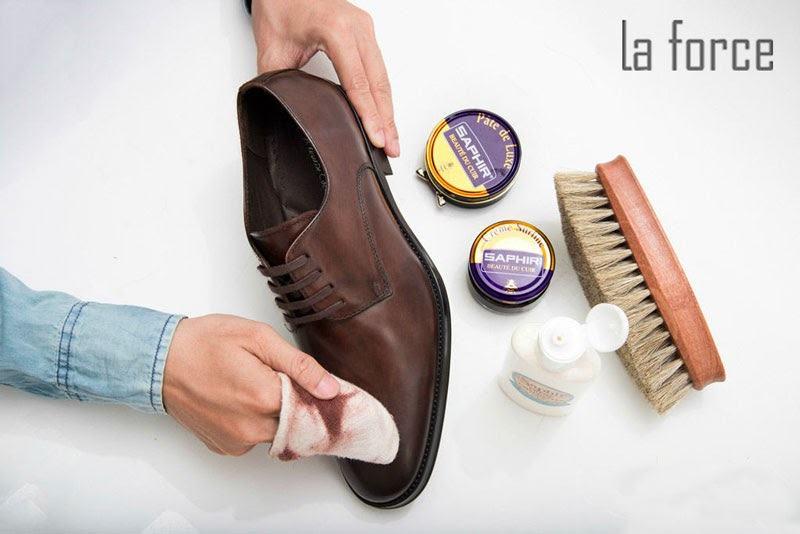 cách vệ sinh giày da tại nhà
