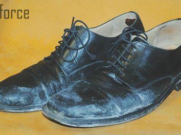 Giày da bị mốc phải làm sao? Bật mí cách xử lý giày da bị mốc hiệu quả!
