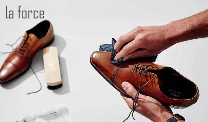giày da bị mốc phải làm sao
