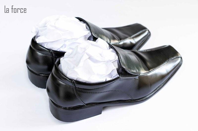 giày da bị xước phải làm sao