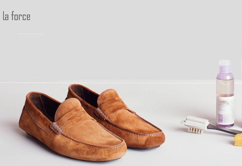 vệ sinh giày da lộn bằng giấm