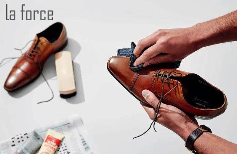 xử lý giày da bị xước