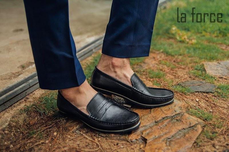 cách làm giày khô nhanh trong 1 đêm