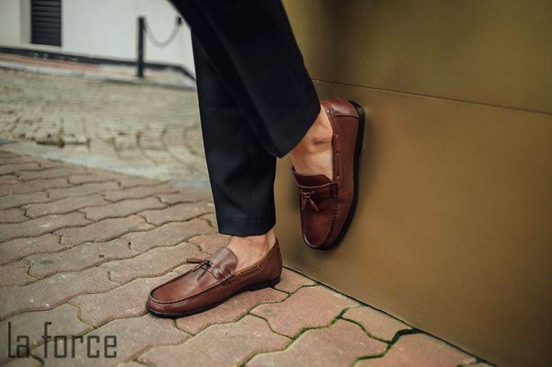 cách làm giày mau khô trong 1 đêm