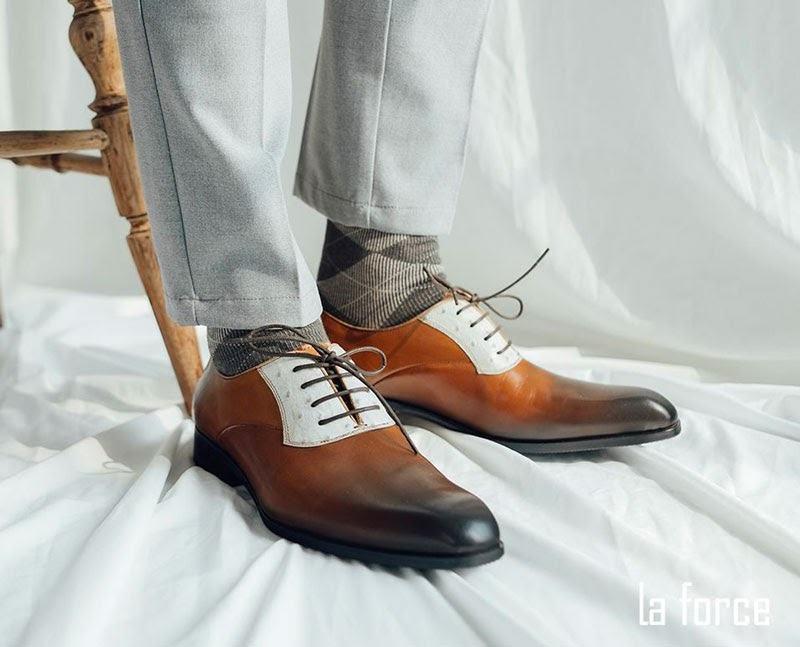 cách làm khô giày nhanh chóng
