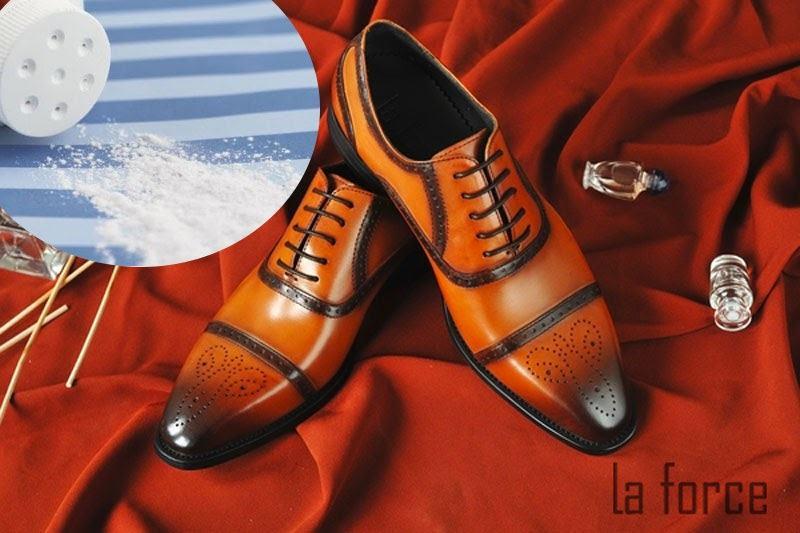 cách làm khô giày nhanh