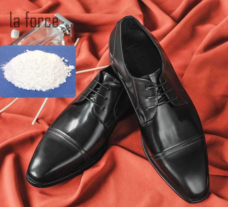 cách làm mềm giày da nhanh