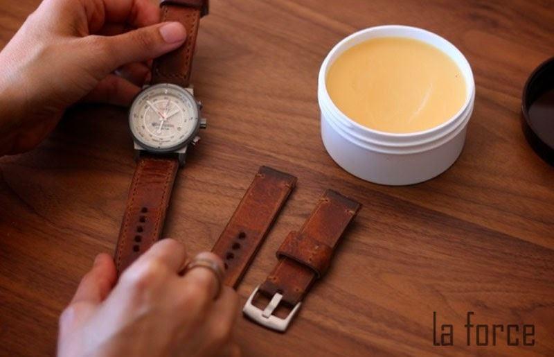 hướng dẫn vệ sinh dây đồng hồ