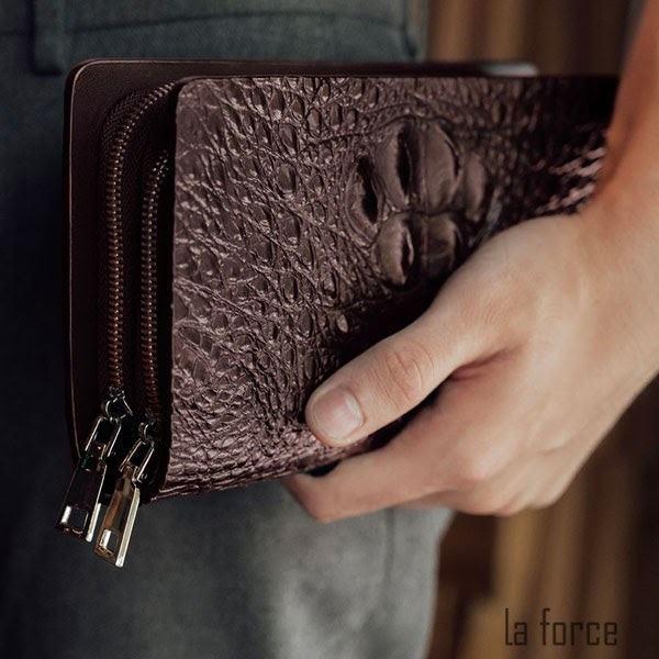 ví cầm tay nam