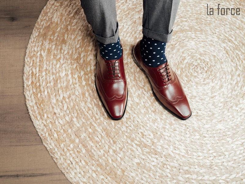 cách chụp giày đẹp để bán hàng online