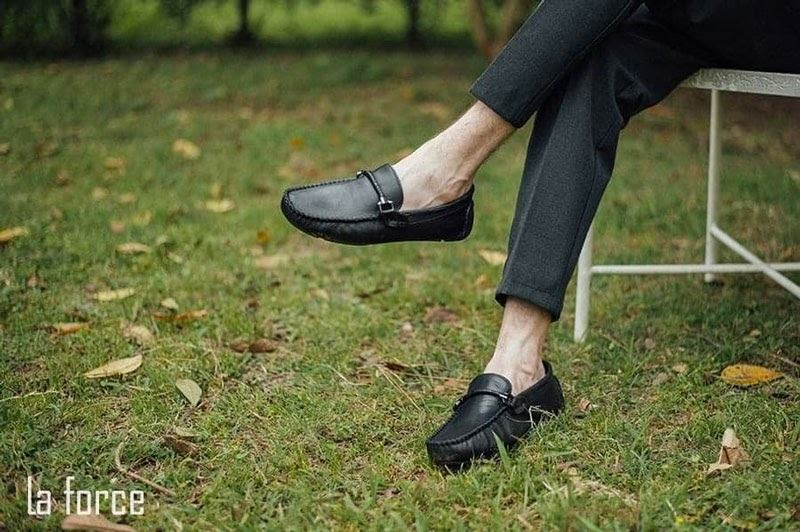 cách chụp giày đẹp nhất