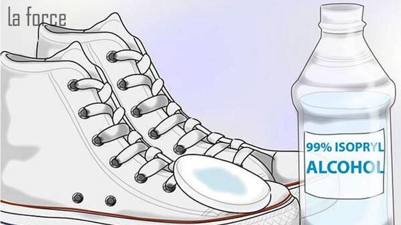 cách khử mùi hôi chân khi đi giày