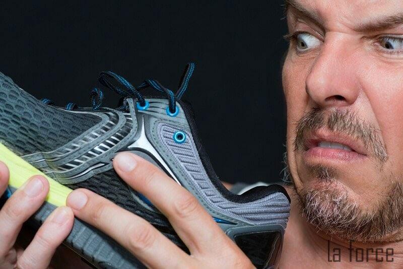 cách trị hôi chân khi đi giày nhiều