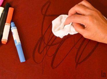 Bật mí chi tiết 4 cách tẩy mực bút bi trên túi da hiệu quả