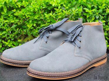 Giày màu xám hợp với quần màu gì? Gợi ý cách phối đồ với giày da màu xám