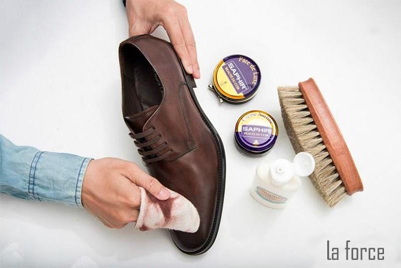 phục hồi giày da bị tróc