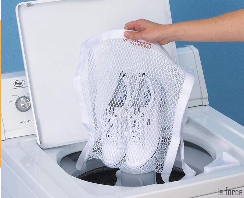cách giặt giày bằng máy giặt