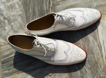 Gợi ý chi tiết 5 cách làm sạch giày da trắng hiệu quả tại nhà