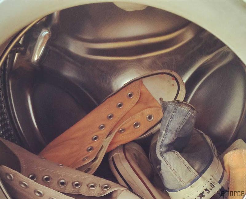 giặt giày bằng máy giặt chế độ nào